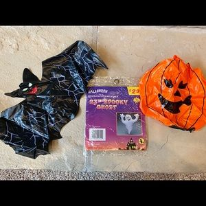 Lot of Halloween party decorations decor pumpkins